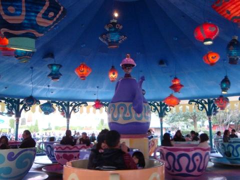 アリスの或いはキチガイ帽子屋の茶会。