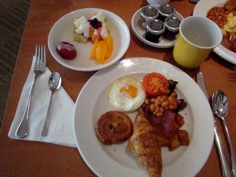しっかり朝ごはん。