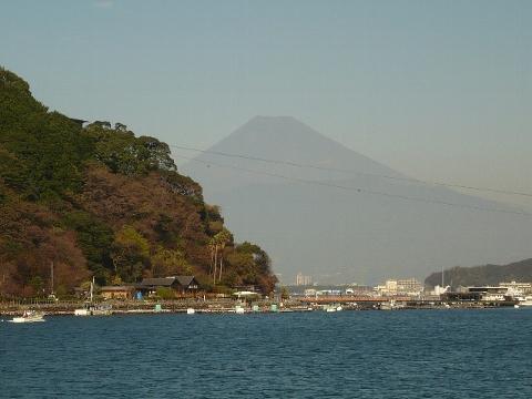 富士山と海。